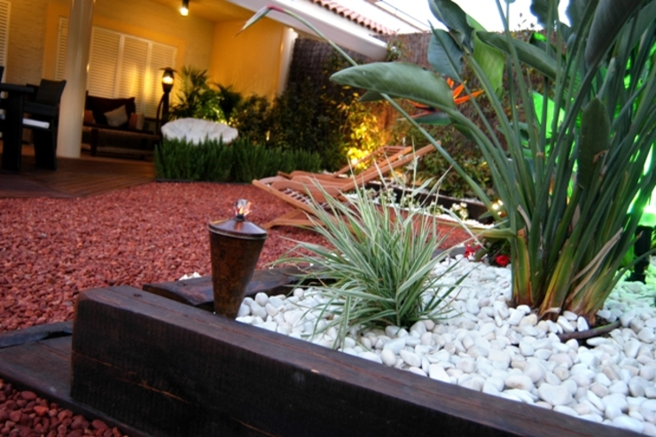 Jardines de estilo moderno de jardinista Moderno