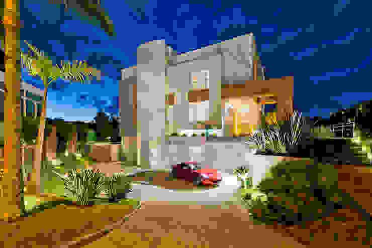 Residência Vista Alegre -Curitiba-PR Casas modernas por Karin Brenner Arquitetura e Engenharia Moderno