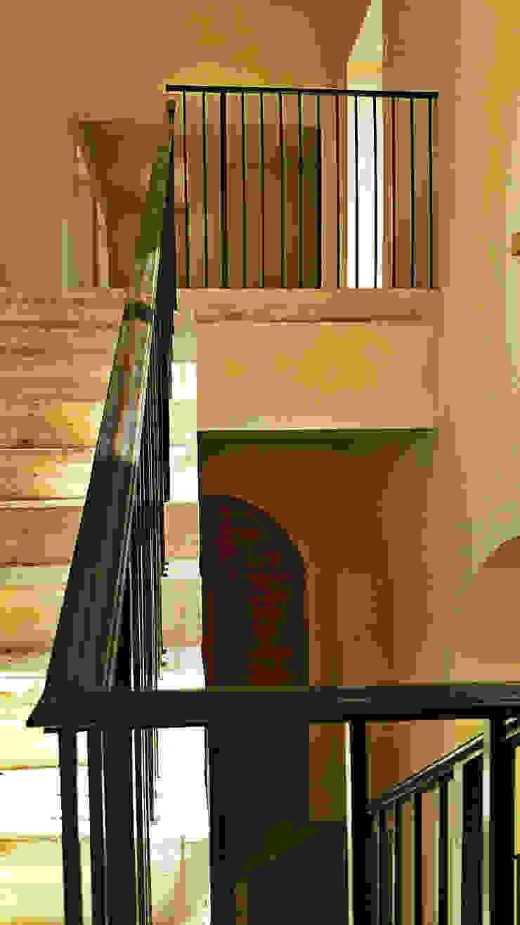 Mixlegno group Srl Minimalist corridor, hallway & stairs