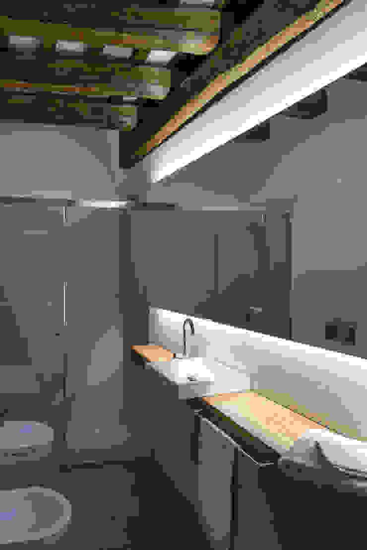 Pals, De la Torre 4, Cases Singulars de l'Empordà Baños de estilo rústico de TONO BAGNO | Pasión por tu baño Rústico