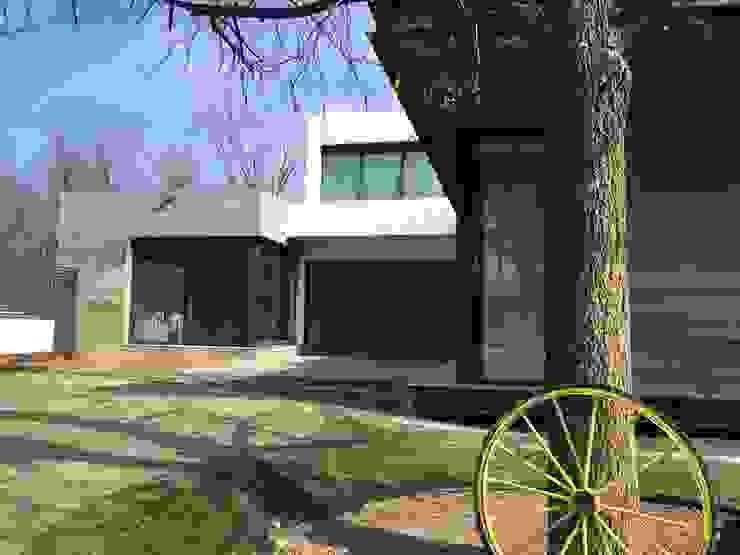Jardín Jardines modernos de Diez y Nueve Grados Arquitectos Moderno