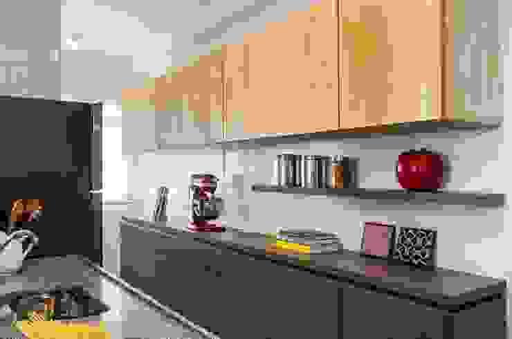 Cozinha - Projeto Santa Clara Cozinhas minimalistas por LS ARQUITETURA Minimalista Derivados de madeira Transparente