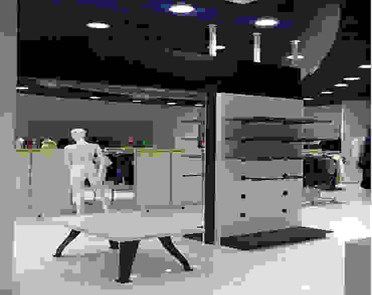 Converse de BCA Arch and Interiors Moderno