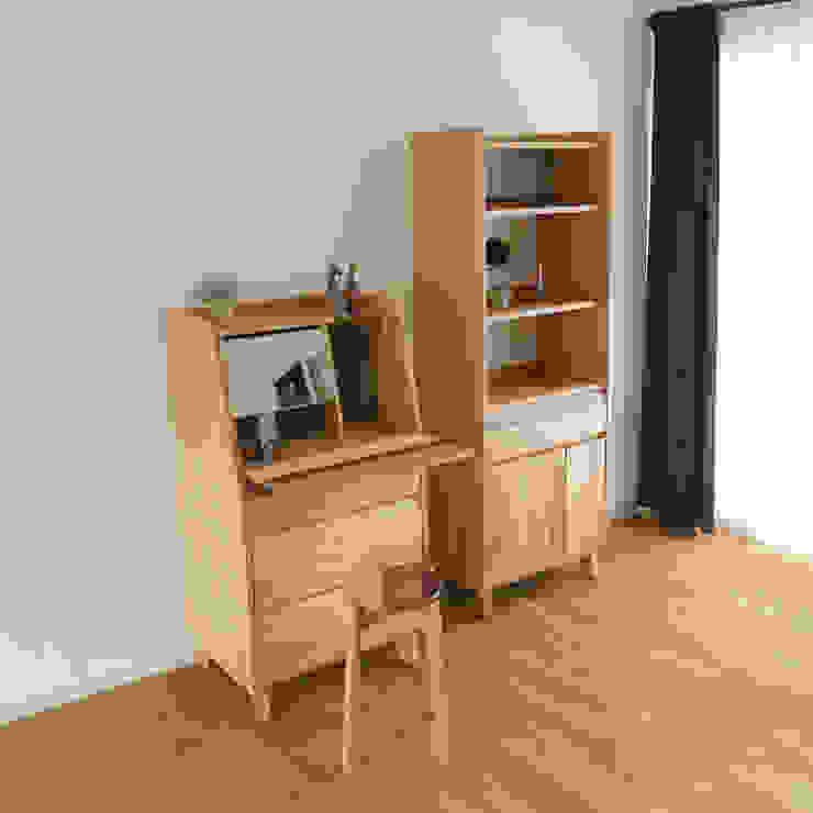 株式会社 大雪木工 BedroomDressing tables Wood Wood effect