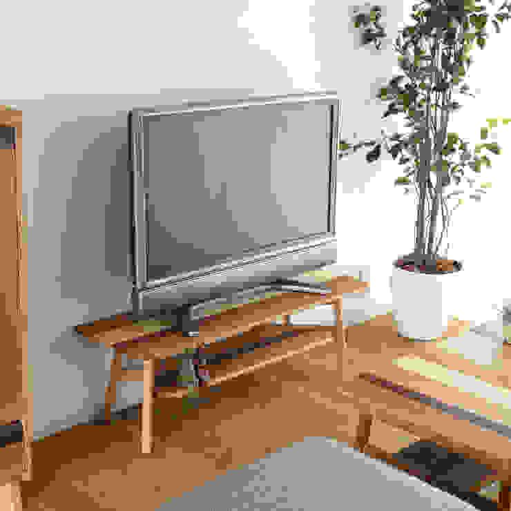 株式会社 大雪木工 Living roomTV stands & cabinets Wood Wood effect
