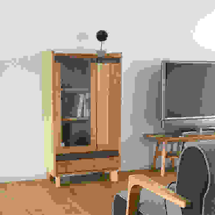 株式会社 大雪木工 Living roomShelves Wood Wood effect