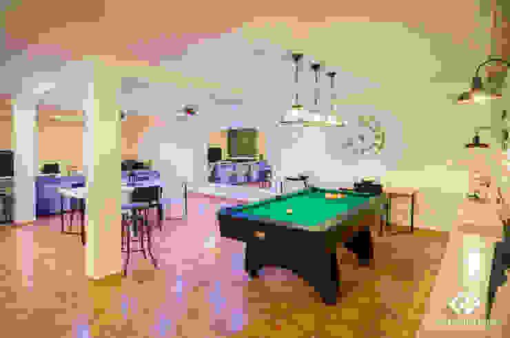 Modern living room by C2INTERIORISTAS Modern