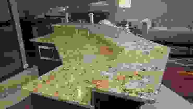 Acabados Leon Countertops CocinaMesas, sillas y bancos Granito Beige