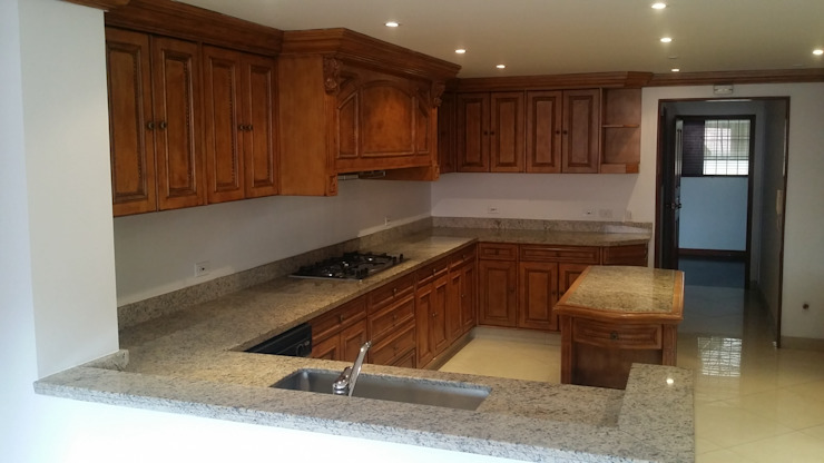 Classic style kitchen by LABORATO ARQUITECTURA & DISEÑO Classic