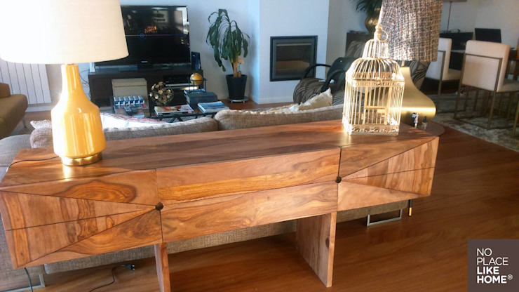 Sideboard in Indian wood por No Place Like Home ® Moderno