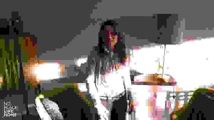 Our decorator por No Place Like Home ® Moderno