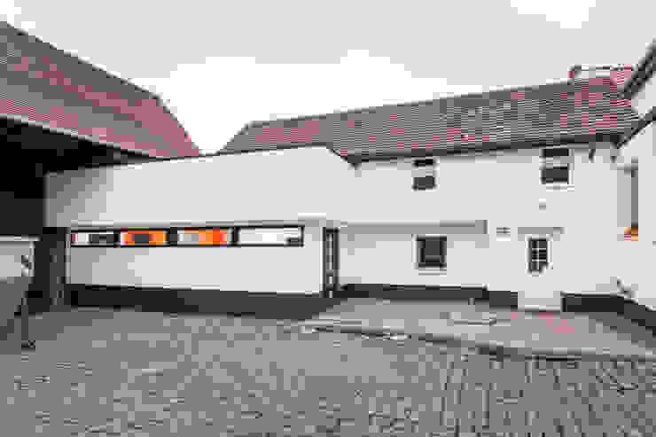 Casas estilo moderno: ideas, arquitectura e imágenes de Helwig Haus und Raum Planungs GmbH Moderno