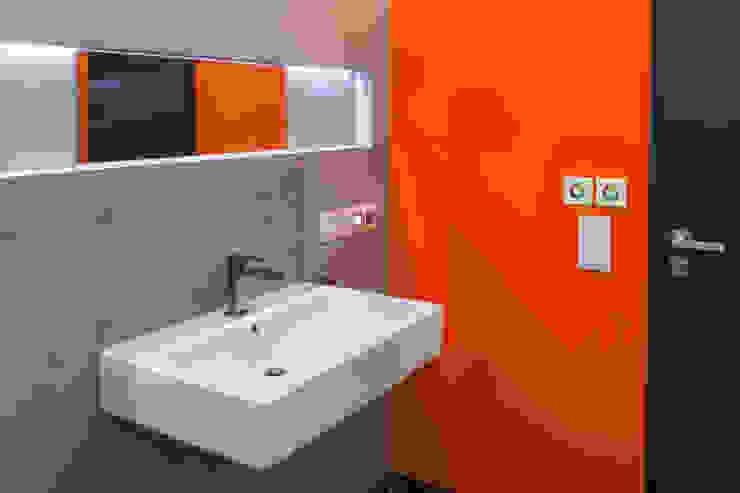 Baños de estilo ecléctico de Helwig Haus und Raum Planungs GmbH Ecléctico