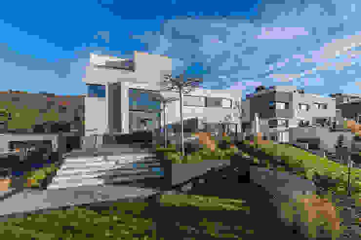 Helwig Haus und Raum Planungs GmbH Minimalist house
