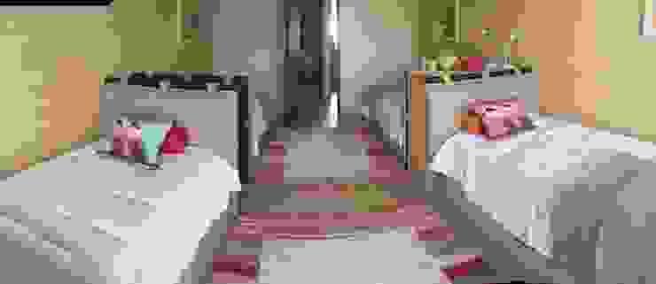 Condominio Tres Mares Dormitorios modernos de Marusa Albarrán interior Design Moderno
