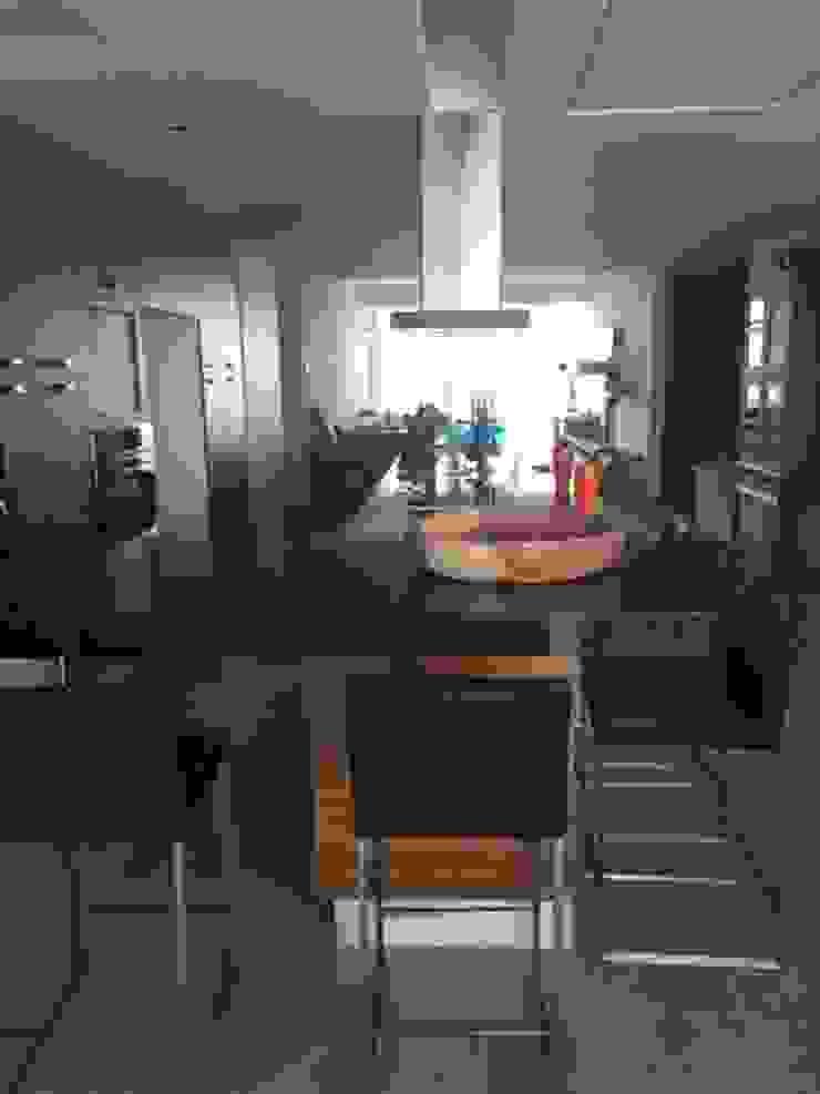 Condominio Tres Mares Comedores modernos de Marusa Albarrán interior Design Moderno