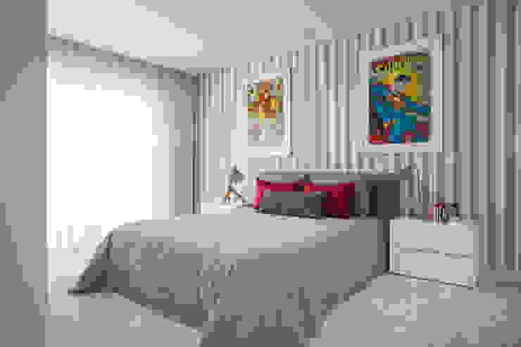 quarto de rapaz por CASA MARQUES INTERIORES Moderno Algodão Vermelho