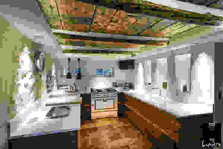Rustic style kitchen by Jeux de Lumière Rustic