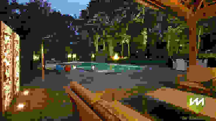 Luxe boerderijtuin met zwembad en vijver Landelijke zwembaden van Van Mierlo Tuinen | Exclusieve Tuinontwerpen Landelijk