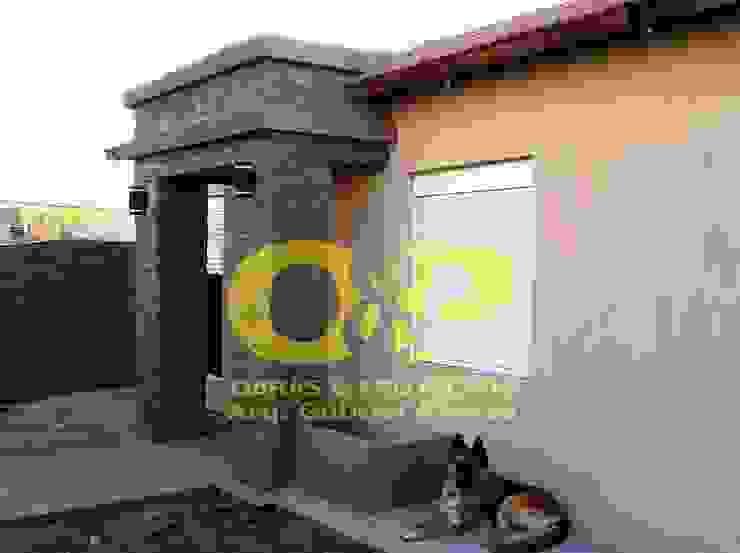 Remodelacion de fachada Casas modernas: Ideas, imágenes y decoración de Obras & Proyectos Moderno