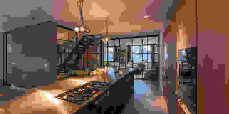 Dapur by DENOLDERVLEUGELS Architects & Associates