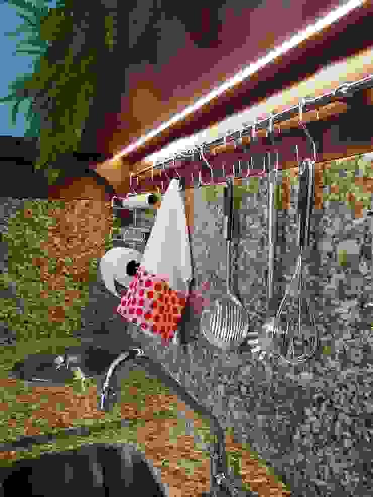 Ponta Cabeça - Arquitetura Criativa Cucina moderna Marrone