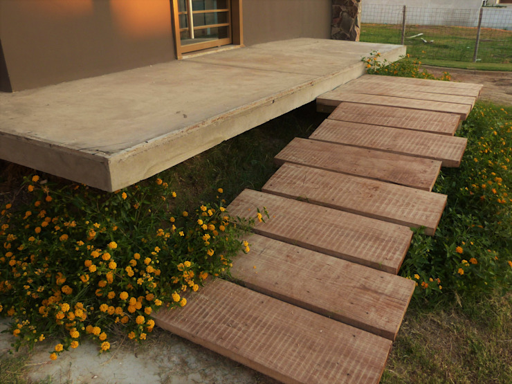 Jardines de estilo  por Brarda Roda Arquitectos, Moderno Madera Acabado en madera
