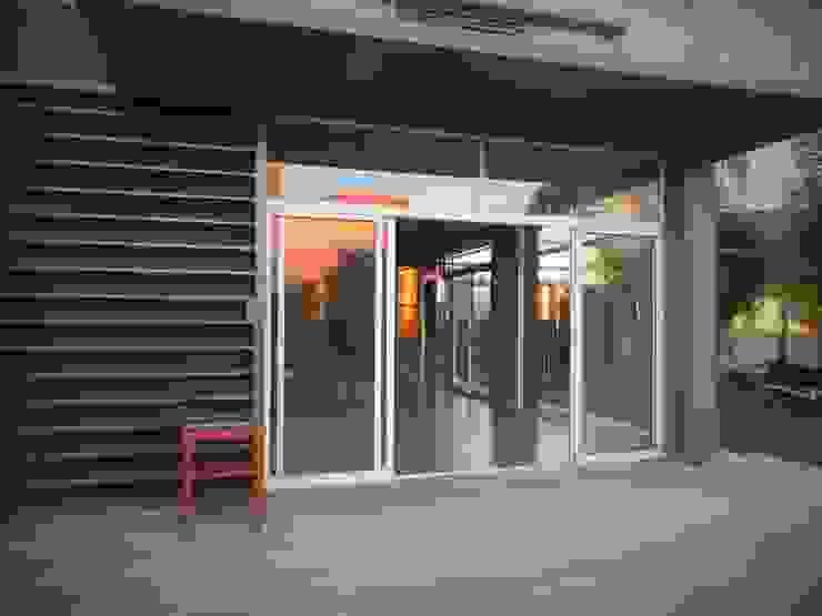 Modern Terrace by Brarda Roda Arquitectos Modern Wood Wood effect