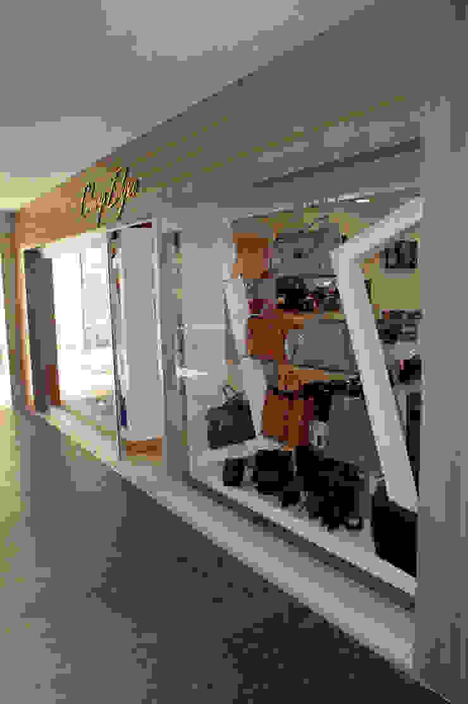 Sentido Orka Lotus Beach Çanta Mağazası AÇI İÇMİMARLIK TASARIM MOBİLYA İNŞAAT LTD.ŞTİ. Modern