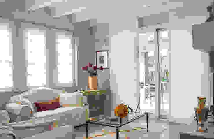 Classic style living room by 2P COSTRUZIONI srl Classic