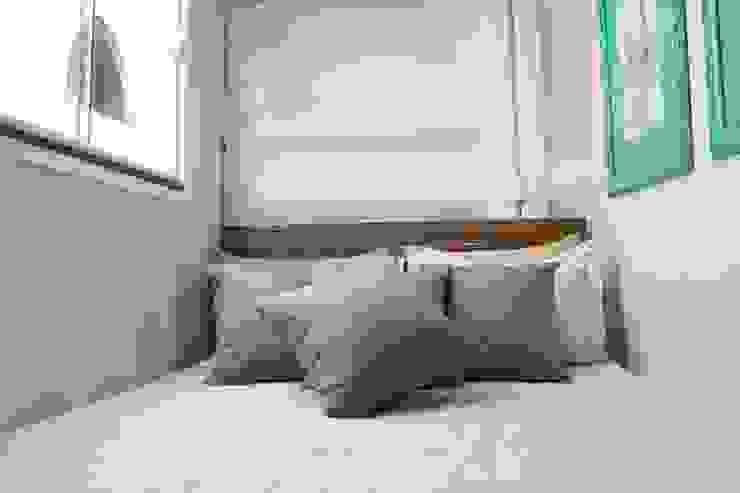 غرفة نوم تنفيذ AD ARQUITETURA E DESIGN , ريفي خشب Wood effect