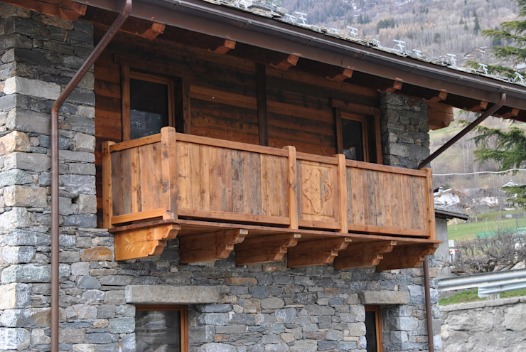 Casas de estilo  por Sangineto s.r.l, Rústico Madera Acabado en madera