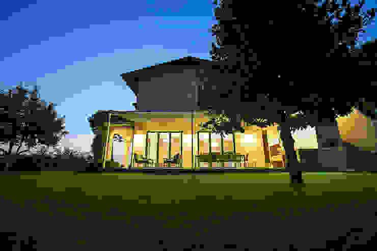 Varandas, marquises e terraços minimalistas por homify Minimalista