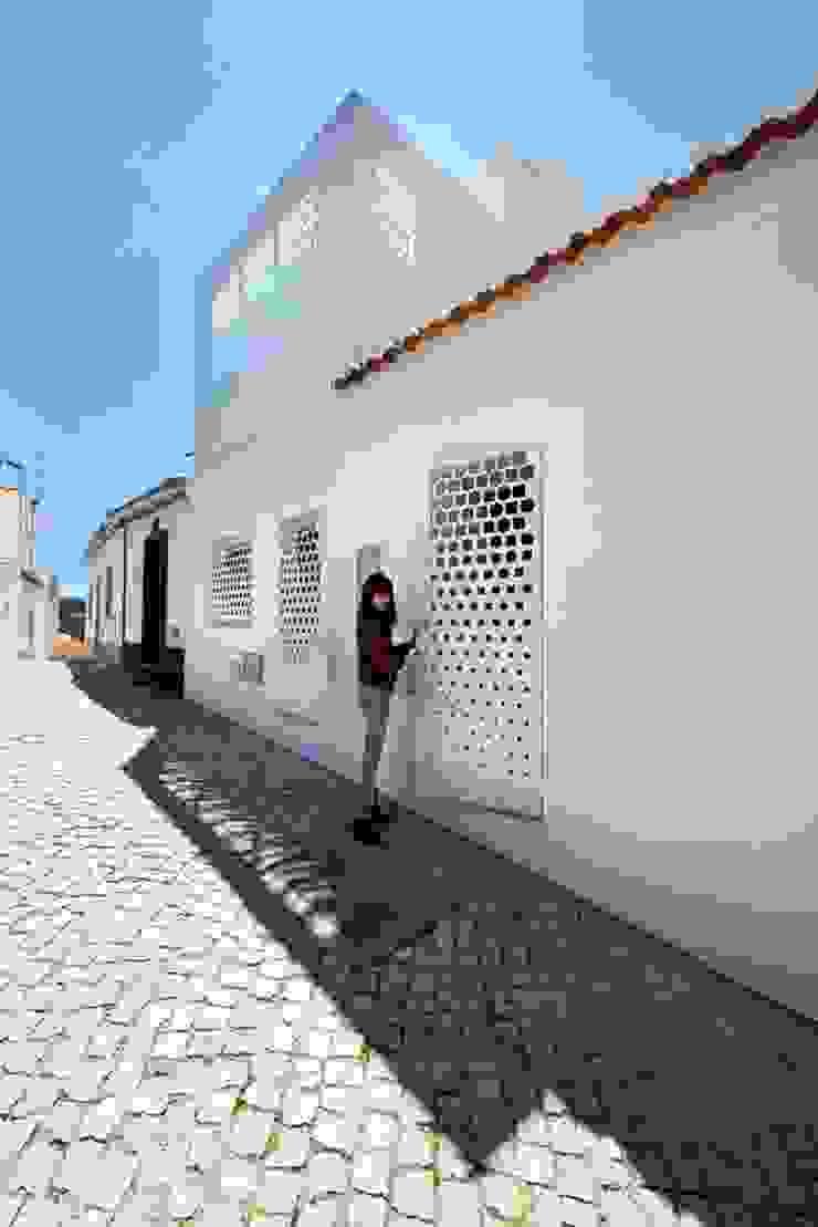studioarte Дома в стиле модерн Алюминий / Цинк Белый