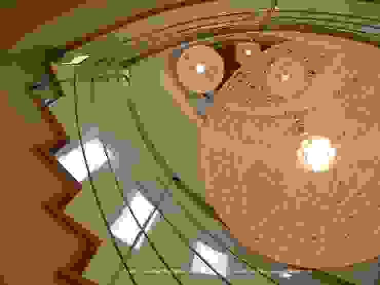 CHAN DYOV STUDIO Arquitectura, Concepto Passivhaus Mediterraneo 653 77 38 06 Vestíbulos, pasillos y escalerasEscaleras