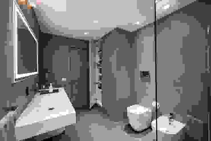 حمام تنفيذ Laboratorio di Progettazione Claudio Criscione Design ,