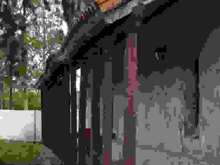 CAPILLA NTRA SRA DE LA CANDELARIA Paredes y pisos coloniales de OsmO.tec Colonial
