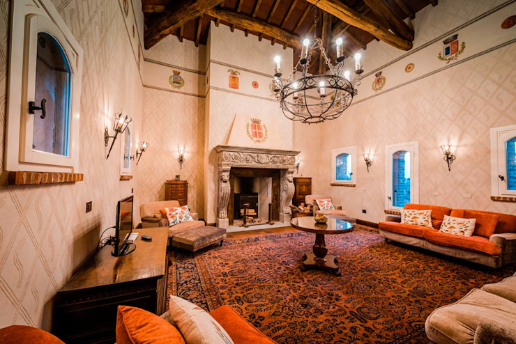 Angelo De Leo Photographer ห้องนั่งเล่นเตาผิงและของตกแต่ง