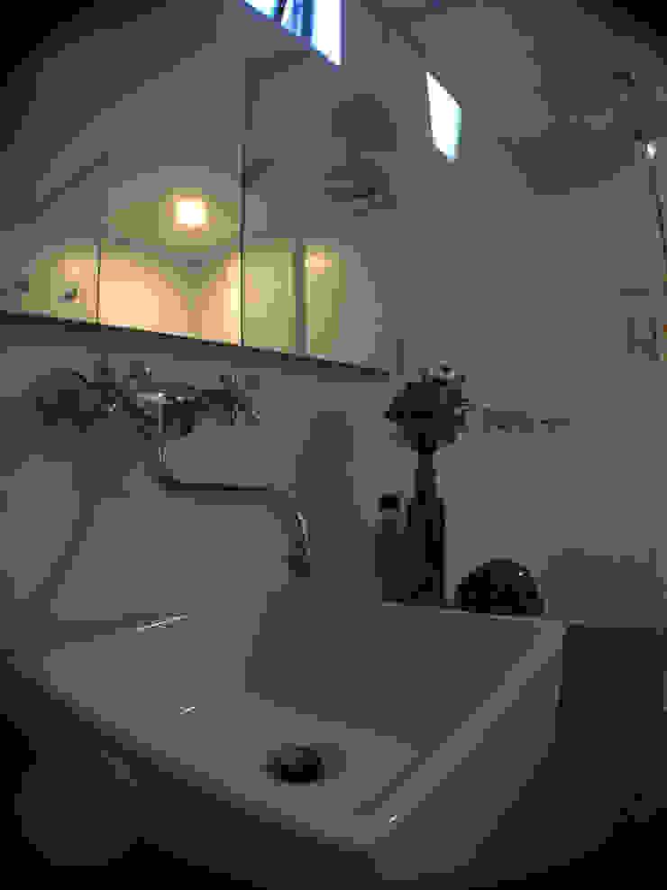 ReformaALT Baños de estilo ecléctico de DeftoHomeStudio INC Ecléctico