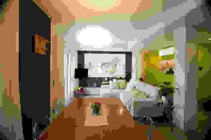 Modern living room by Studio HAUS Modern