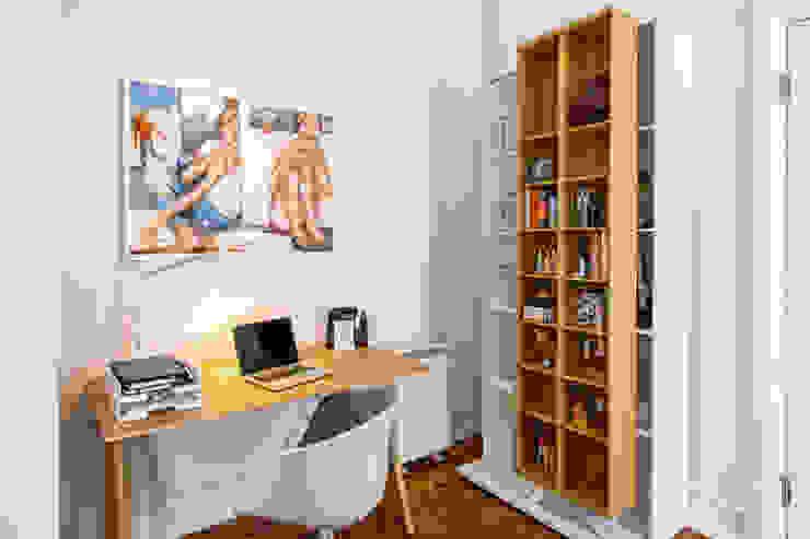Espaço Mínimo Рабочий кабинет в скандинавском стиле