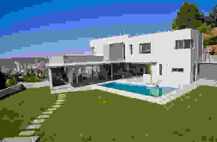 Vista desde Patio Casas modernas: Ideas, imágenes y decoración de Poggi Schmit Arquitectura Moderno