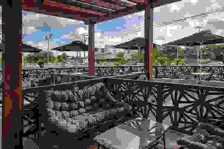 Restaurante EATERY y Deli Café TOASTINA, Hotel FOUR POINTS by Sheraton de Art.chitecture, Taller de Arquitectura e Interiorismo 📍 Cancún, México. Moderno