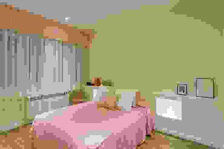 GESTION INTEGRAL DE PROYECTOS DEL NOROESTE S.L. - GESPRONOR Modern style bedroom