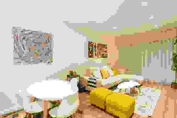 GESTION INTEGRAL DE PROYECTOS DEL NOROESTE S.L. - GESPRONOR Living room