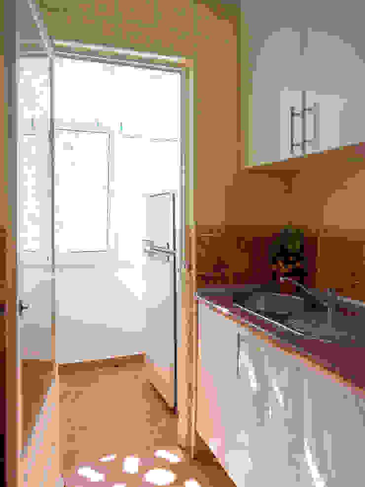 Apartamento Anos 50 | Depois Cozinhas ecléticas por MUDA Home Design Eclético