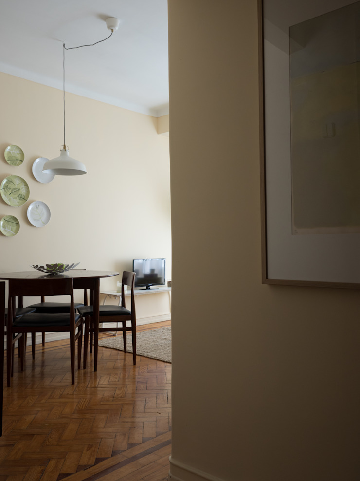 Apartamento Anos 50 | Depois Salas de jantar ecléticas por MUDA Home Design Eclético