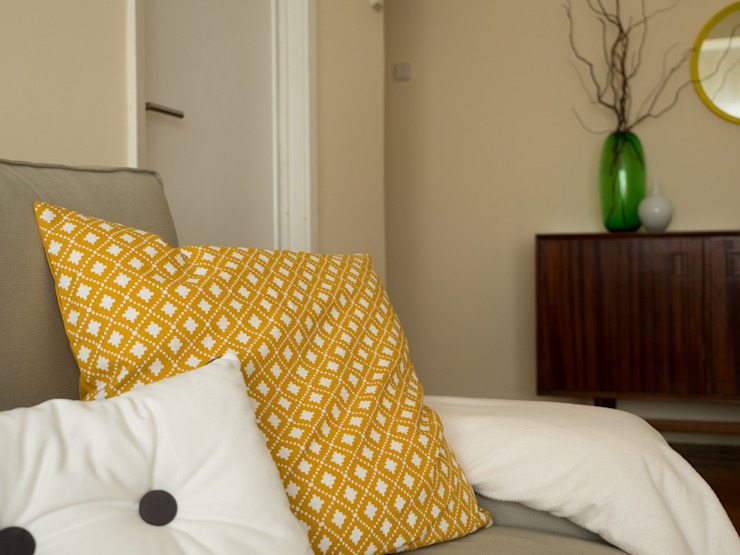 Apartamento Anos 50 | Depois Salas de estar ecléticas por MUDA Home Design Eclético