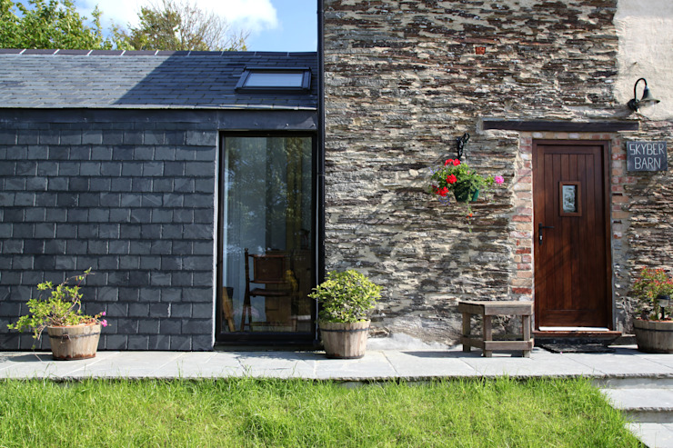 Skyber Barn Innes Architects Rustic style house Slate