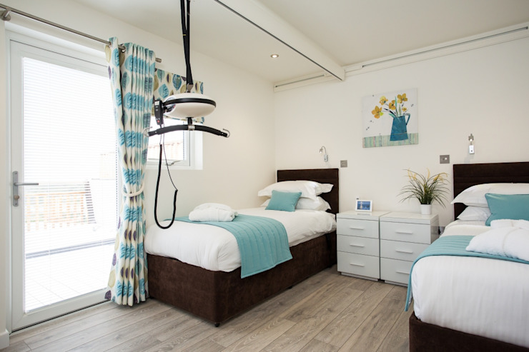 Disability Twin Bedroom Building With Frames ห้องนอน ไม้